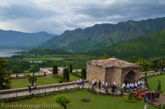 The Majestic Mountains Of Himalayas Await You In Srinagar