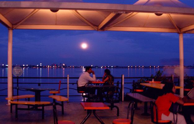 The Twilight Romance At Hussain Sagar Lake