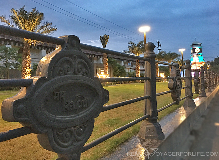 IMG-Things to do in Raipur Take a stroll at Ghadi Chowk