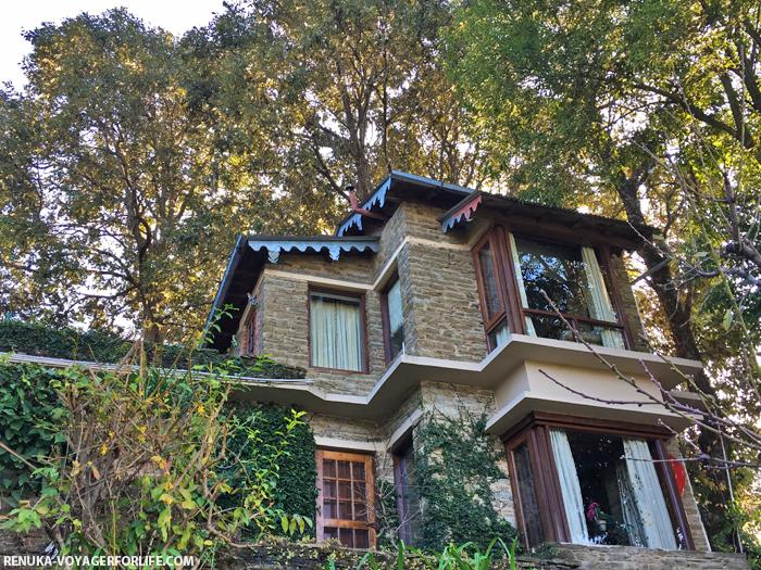 IMG-Mountain resorts in the Himalayas
