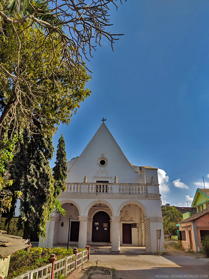 IMG-Churches of Daman and Diu India