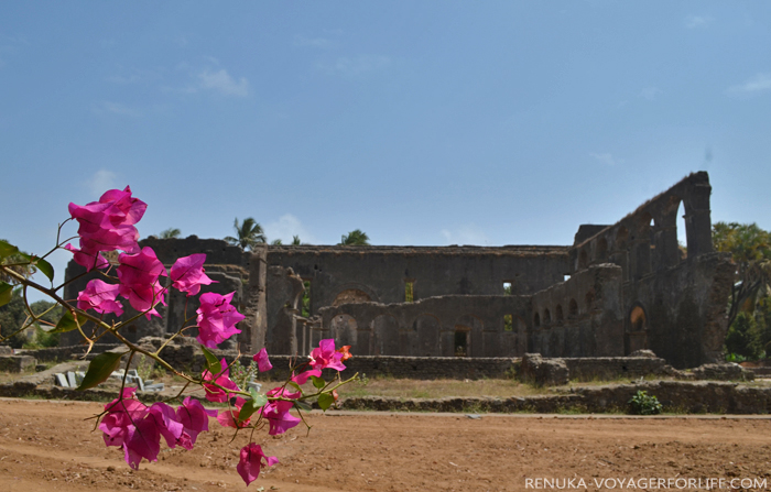 IMG-Dominican Monastery Ruins in Daman