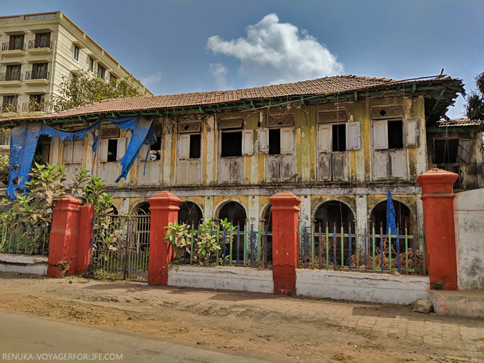 IMG-Old buildings of Nani Daman
