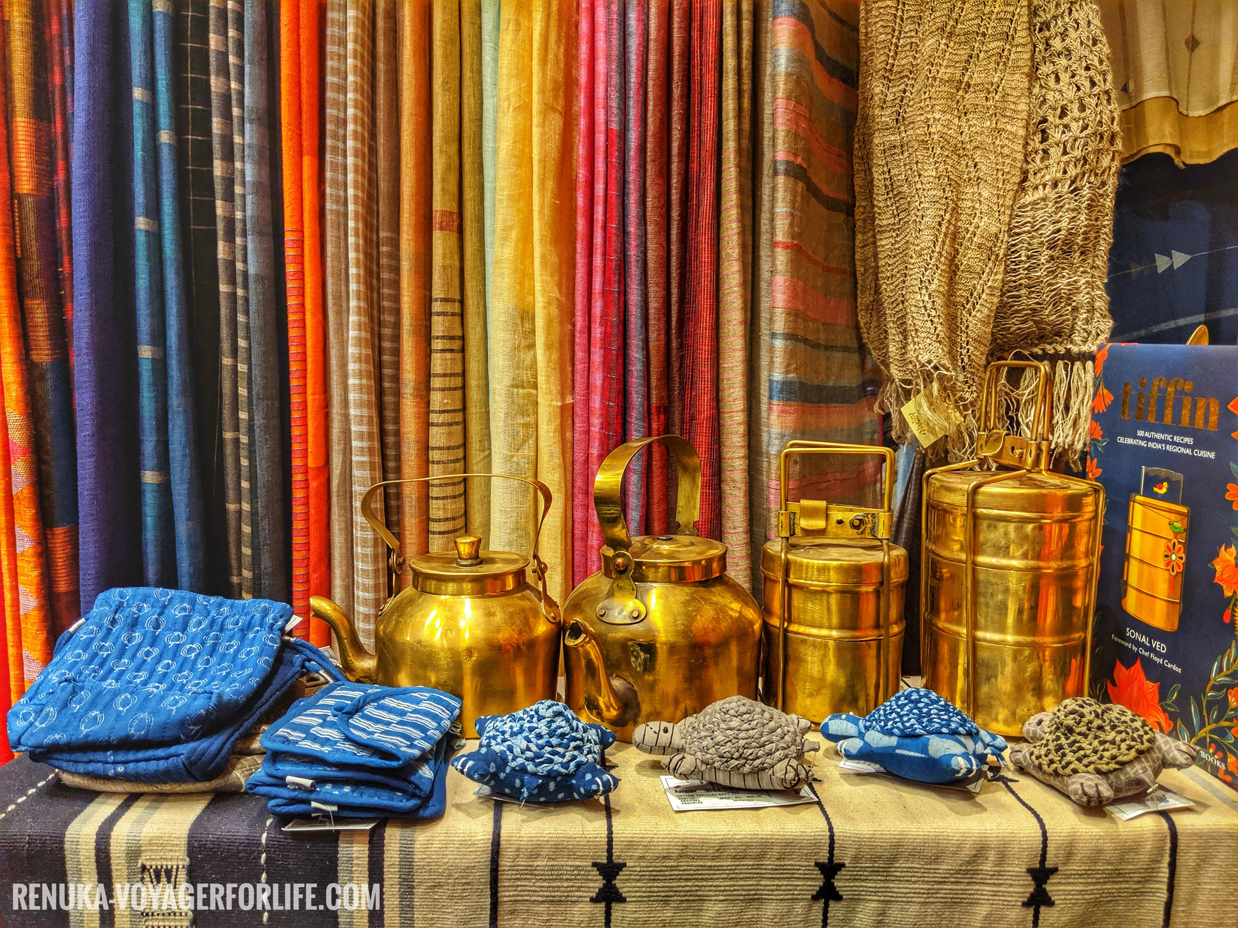 IMG-Artisans Handmade shop Kala Ghoda